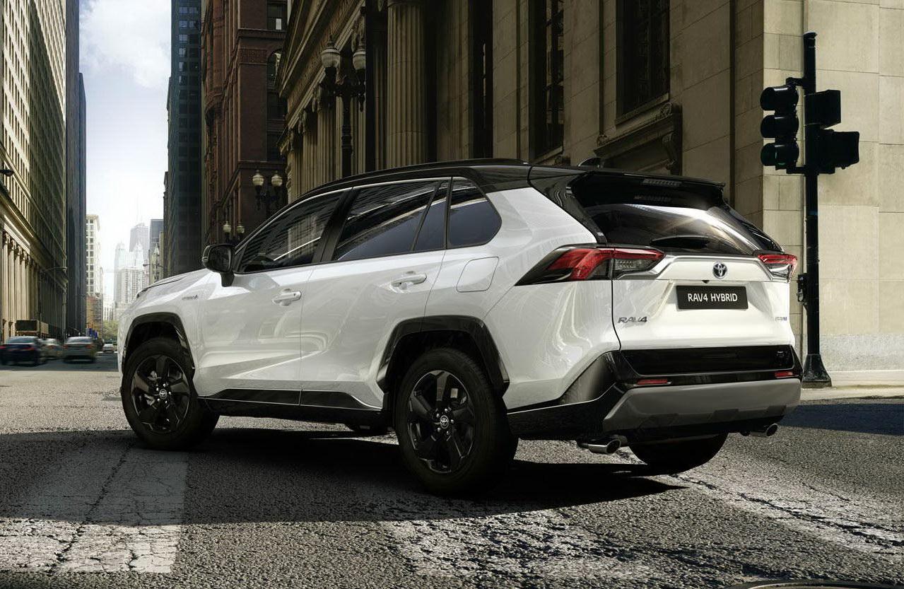 Глава Toyota виступив проти заборони ДВЗ
