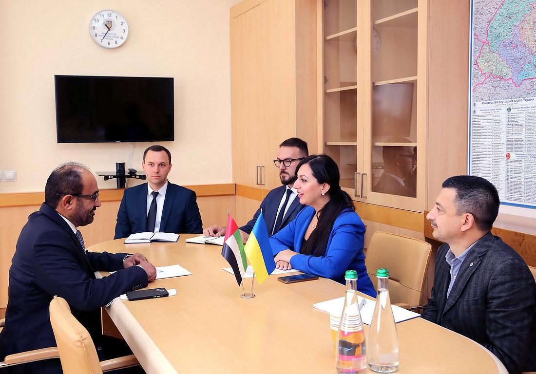 Українці зможуть обмінювати водійські права в ОАЕ